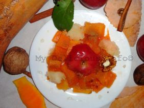 Steamed pumpkin with apples and walnuts
