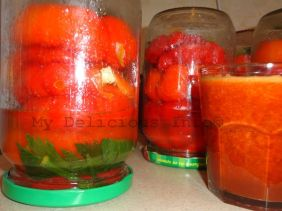 Stuffed round peppers with carrots
