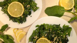 Raw spinach buck-wheat salad