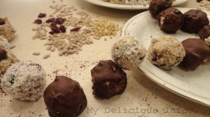 Energy raw seeds bonbons