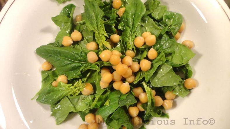 Chickpeas spinach salad