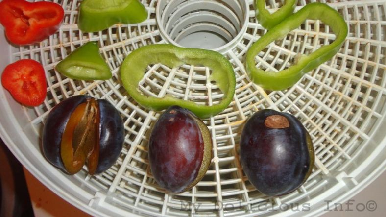 Dehydrating plums