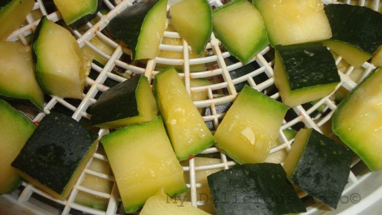 Dehydrating zucchini
